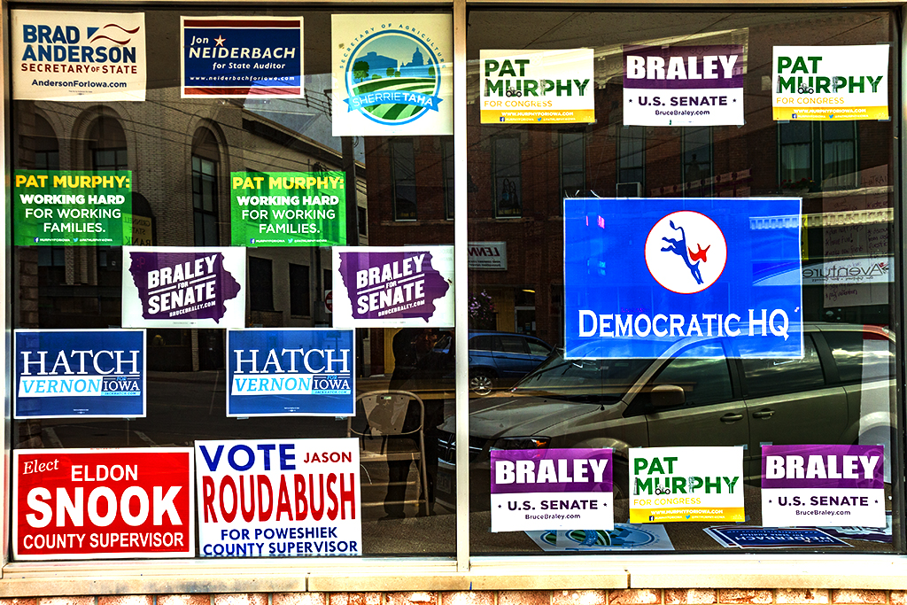 DEMOCRATIC-HQ--Grinnell