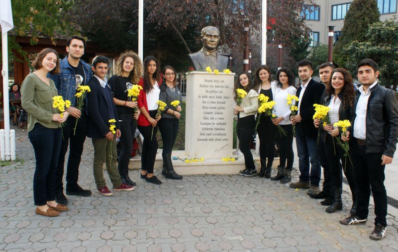 Atatürk, en sevdiği Rumeli Türküleriyle anıldı…