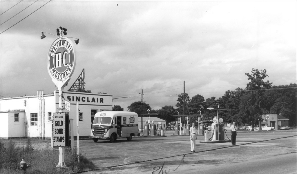 Sinclair Station Remount Rd 1962 The Start Of Constructio Flickr