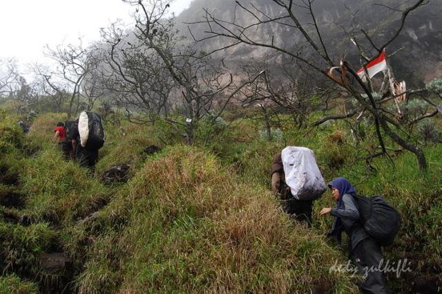 Perketat Pendakian Gunung