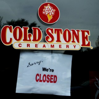 A shuttered Cold Stone Creamery franchise