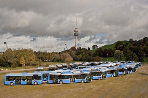 Vorstellung der neuen Buszüge auf dem Tollwood-Gelände