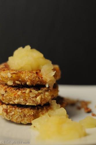 Süße Kartoffel-Kürbis-Plätzchen mit Apfelkompott, Weil's glücklich macht