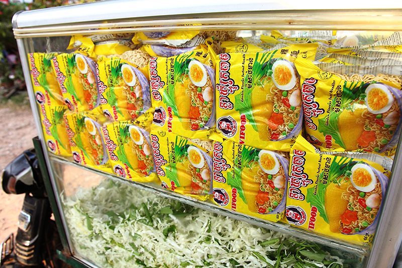 Instant-Noodle-Packets