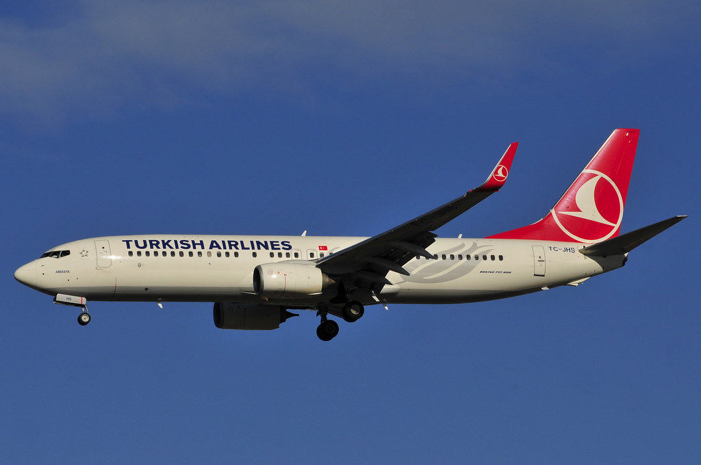 TC-JHS - B738 - Turkish Airlines
