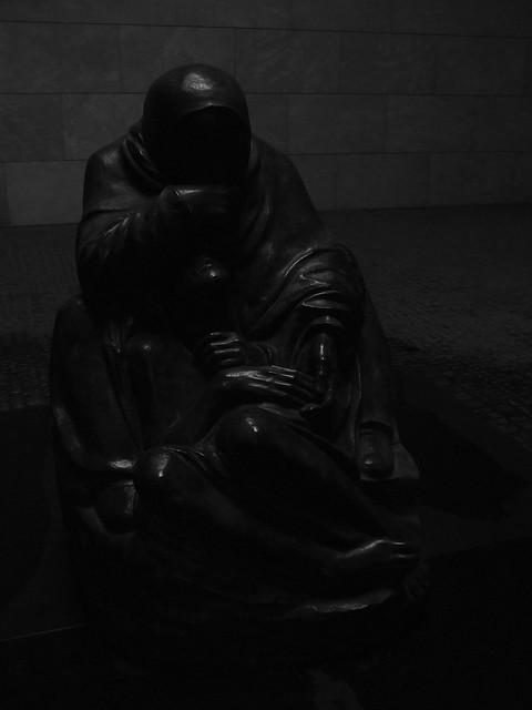 Neue Wache sculpture