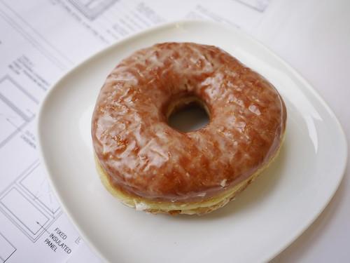 11-05 glazed vanilla doughnut