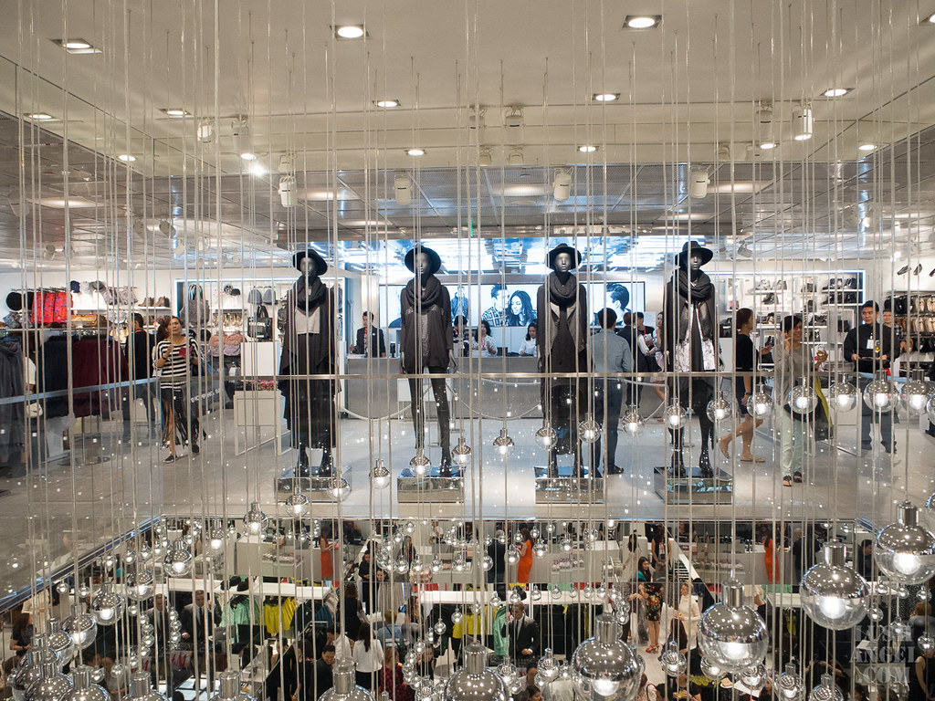 hm-philippines-flagship-store