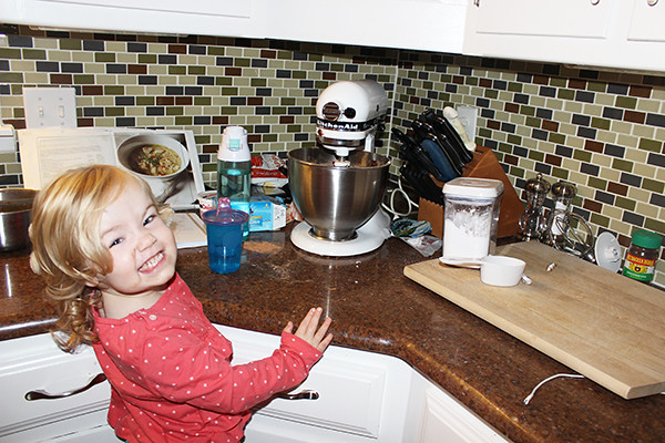 toddler-baking