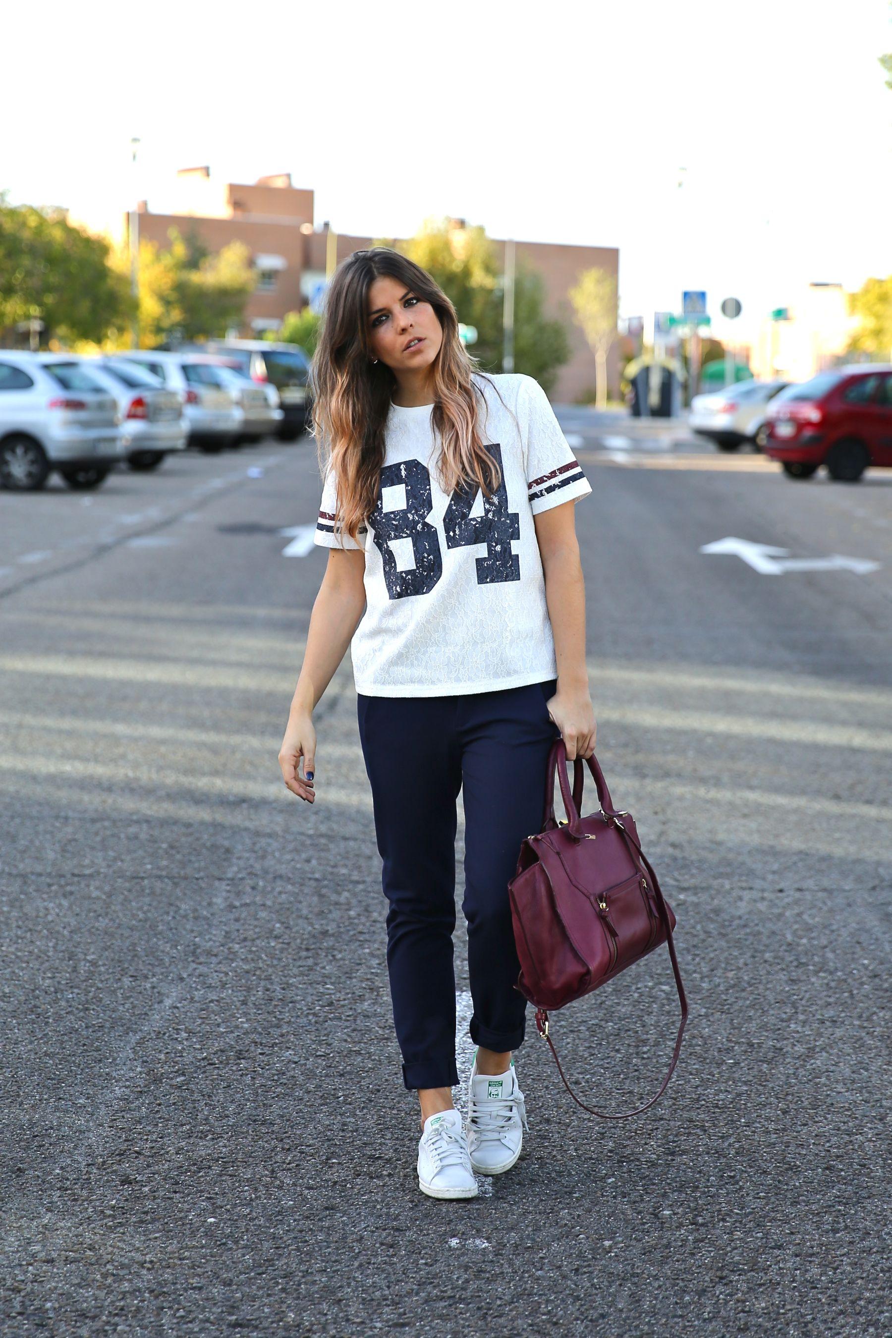 trendy_taste-look-outfit-street_style-ootd-blog-blogger-fashion_spain-moda_españa-zara-stan_smith-adidas-cosette-tee-baseball-camiseta-numero-pantalón-capri-pinzas-1