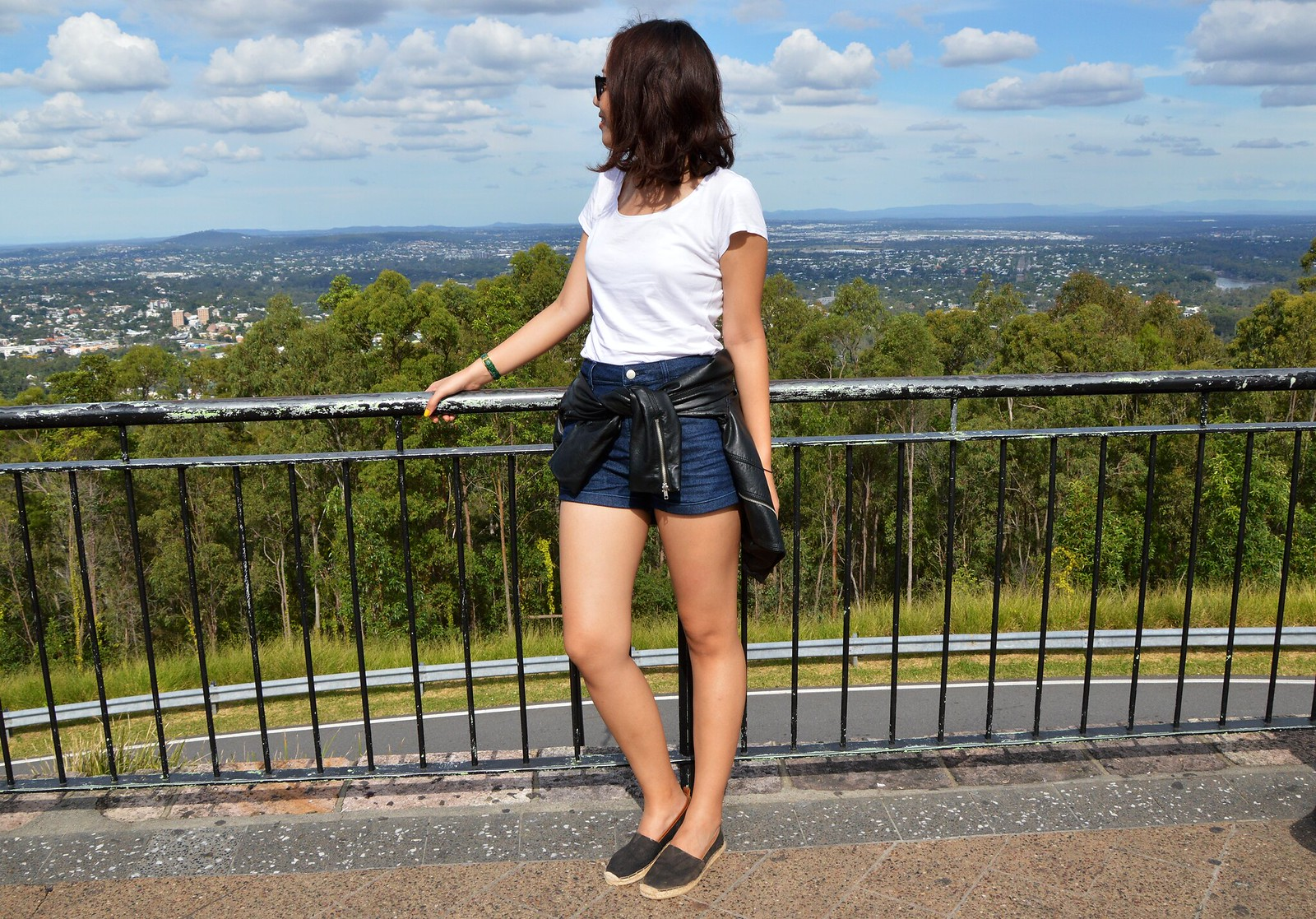 Mount Coot-tha, Brisbane, Australia, summer, basic, travel, outfit, espadrilles, high waist denim shorts, leather jacket, ray-bans