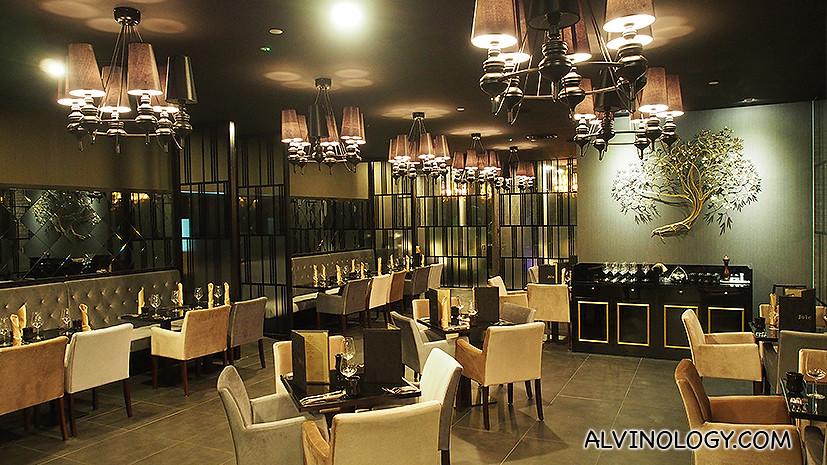 Joie's restaurant interior