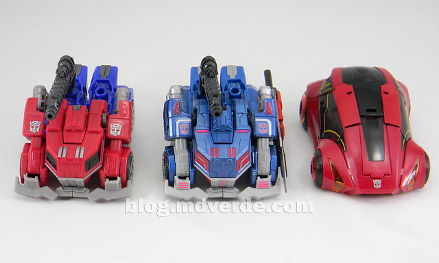 Transformers Ultra Magnus Deluxe - Transformers Generations Fall of Cybertron - modo alterno vs Optimus vs Cliffjumper