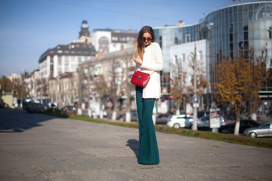 flared-pants-outfit