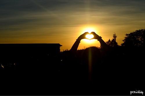sunset sun philippines tagaytay