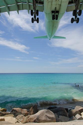 sunset shadow people beach saint st swimming airport martin sint airbus heavy maho maarten sxm a340 airfrance tncm a340300 afr498
