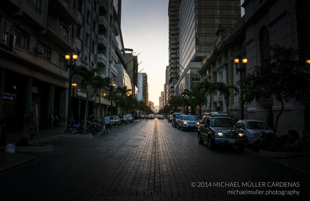 Ave. Nueve de Octubre, Guayaquil