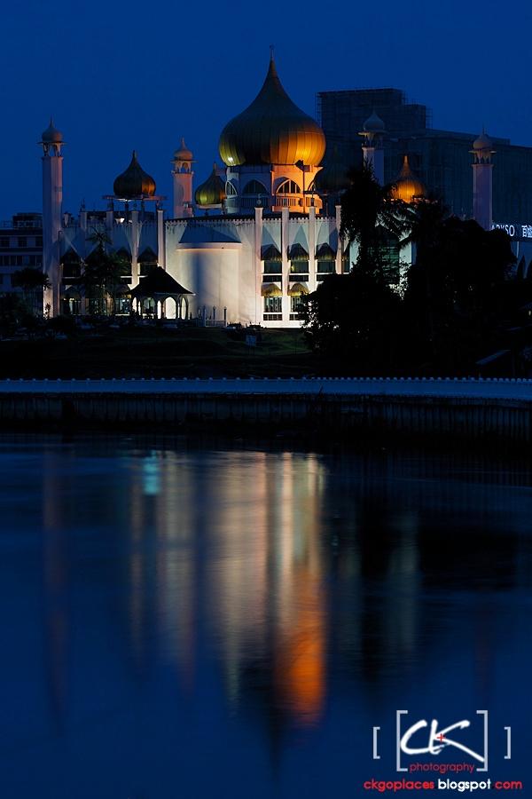 Kuching_Mosque_13