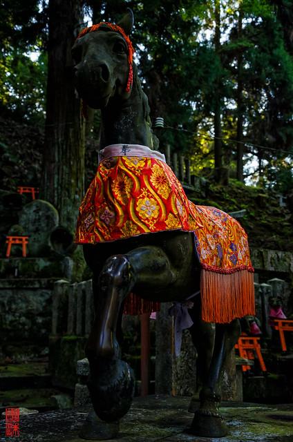 「狛馬  左」 伏見稲荷 - 京都