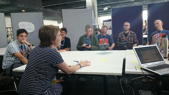 Karen Smith introducing the MozFest 2014 session 'Pathways & Prototypes for Web Literacy'
