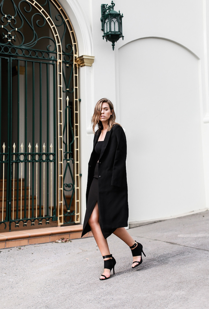 MODERN LEGACY x ASOS Spring Racing All Black outfit street style (6 of 10)
