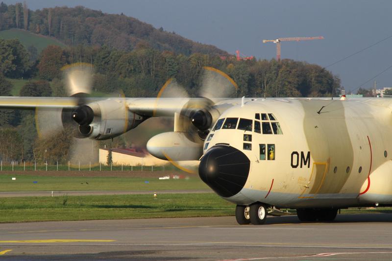 FRA: Photos d'avions de transport - Page 20 15653209142_8f430fe5d2_o