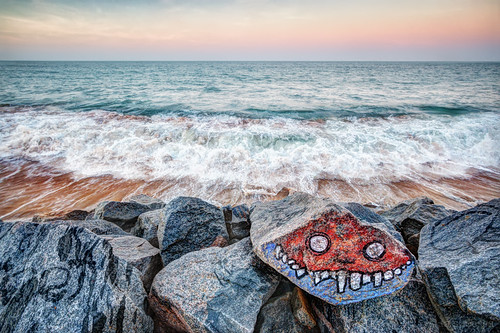 sea cidade brazil sky praia beach rock canon mar rocks arte grafiti fortaleza hdr rocha limite rochas 70d barreira stateofceará