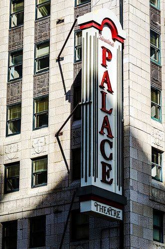 columbus ohio building sign architecture downtown palacetheatre levequetower