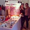 Listas @pequez con @ivory_ac, y yo con mi hijita Manconca!!!! Ya pueden venir a Casa Grande a visitar nuestro stand en @bazarcoro. Los esperamos!!!!!    #bazar #polymerclay #clay #arcillapolimerica #bisuteria #accesorios #jewelry #navidad #Christmas #coro