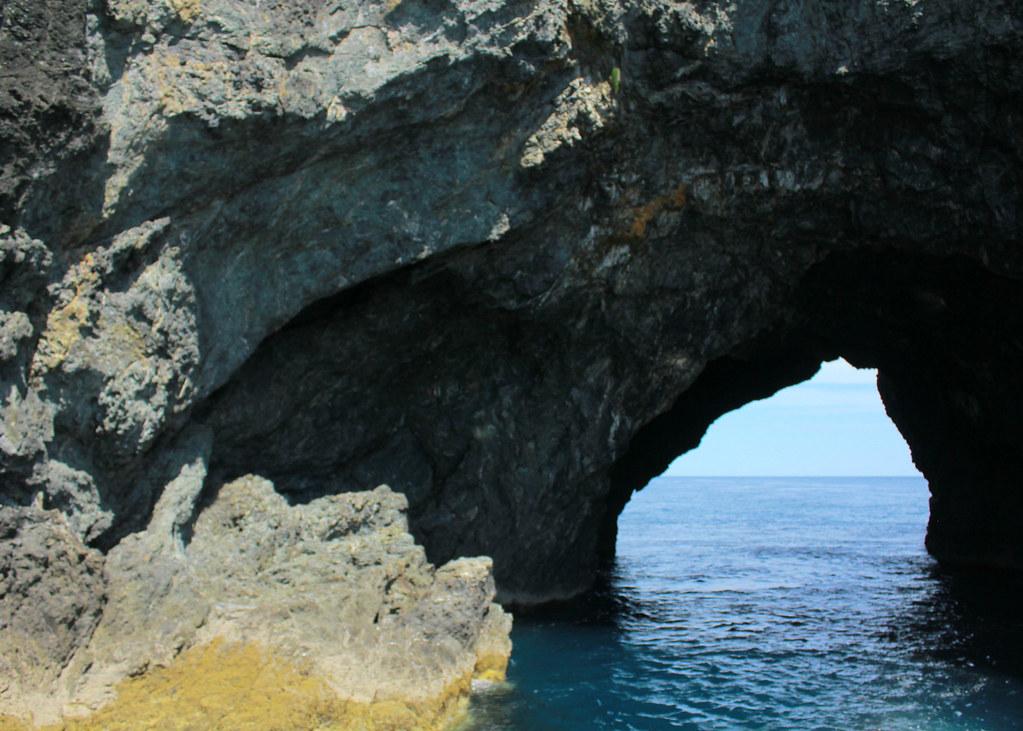 paihia-pass-through-hole-in-the-rock
