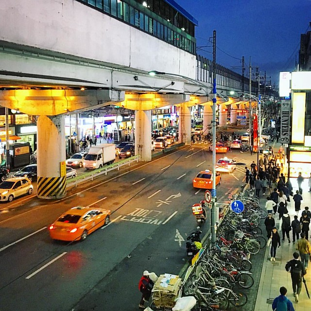건국대 입구역... 얼핏, 태국같다...^^             #instagram #instaplace #instastill #Korea #Seoul #city #night  #landscape #street #cityscape #서울 #도시 #야경 #풍경 #길거리 #도시풍경