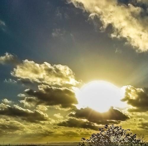 Nosso fim de tarde de cada dia...🙏❤🎉😃 Obrigado Deus! #meuolharemfotos #ednelsonfotografia #edjss #maceio #maceioalagoas #alagoas #cantinhosdemaceio #sky #céu #photography #fotografia #photos #photo #foto #natureza #nature #naturepho