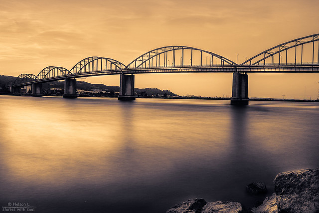 a golden bridge across a golden river under a golden sky ( #Portugal #riverTagus #VilaFrancaXira)