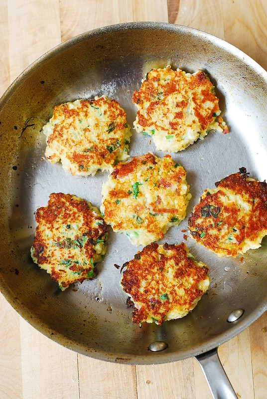 how to make fritters, how to flip fritters, spaghetti squash quinoa cakes