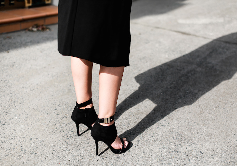 MODERN LEGACY x ASOS Spring Racing All Black outfit street style (7 of 10)
