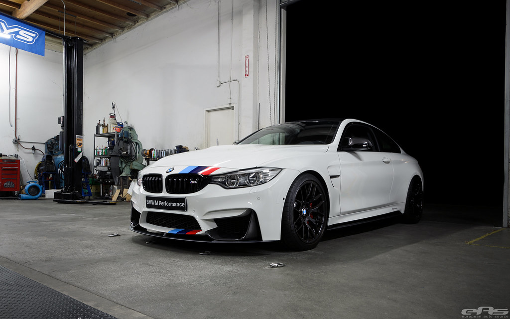 how to cut the m out bmw m trunk badge