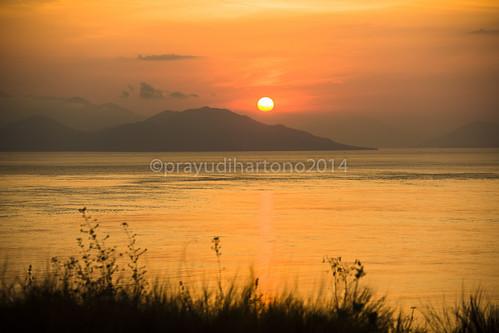 sunset ntt solor lembata bukitcinta waijarang wolorpass