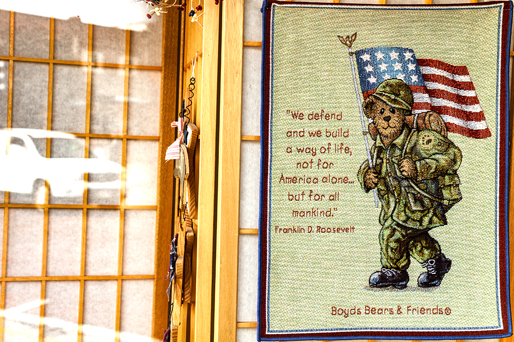 Patriotic-bear-soldier-and-Frankin-D-Roosevelt-quotation--McCook