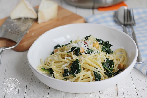 Espaguetis con espinacas y avellanas (14)