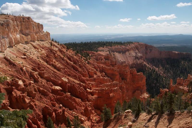 Bryce Canyon Cliffs
