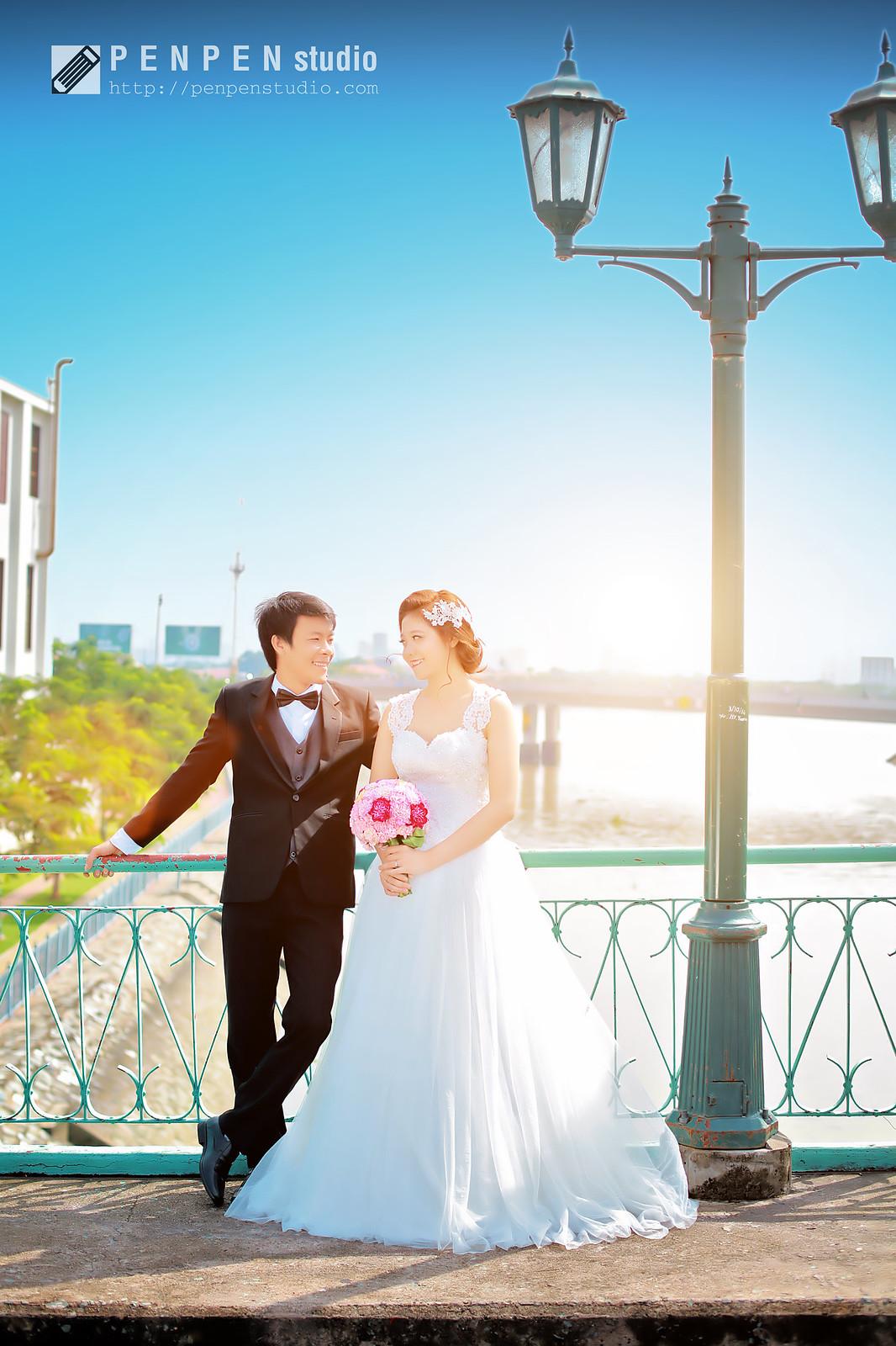 Ưu điểm : Bối cảnh đẹp, không thu phí chụp ảnh trên cầu.Khuyết điểm : Chỉ nên chụp vào buổi sáng sớm để lấy được ánh nắng nhẹ nhàng và trong trẻo.