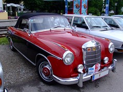 rolls-royce silver cloud(0.0), studebaker silver hawk(0.0), sedan(0.0), sports car(0.0), automobile(1.0), automotive exterior(1.0), vehicle(1.0), mercedes-benz w120(1.0), mercedes-benz(1.0), compact car(1.0), antique car(1.0), classic car(1.0), vintage car(1.0), land vehicle(1.0), luxury vehicle(1.0), convertible(1.0),