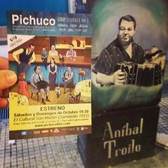 Anoche yendo a la charla post proyección de #Pichuco en el Cultural San Martín, la postal se cruzó con un mural en la Av. Corrientes #igersbsas #tango #musica