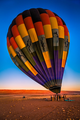 sky nature vertical sunrise day desert aircraft wideangle transportation hotairballoon 自然 namibia 자연 日出 일출 colorimage 하늘 hardap canon24105mmf4lis namibrandnaturereserve 纳米比亚 나미비아 열기구 republicofnamibia 하르다프주