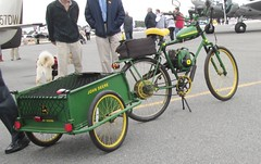 ford quadricycle(0.0), carriage(0.0), cart(0.0), tricycle(0.0), bicycle trailer(1.0), vehicle(1.0), land vehicle(1.0), bicycle(1.0),