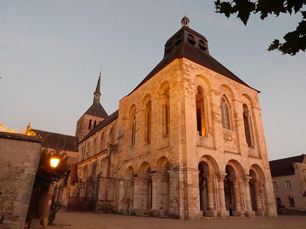 abbaye de fleury de nuit