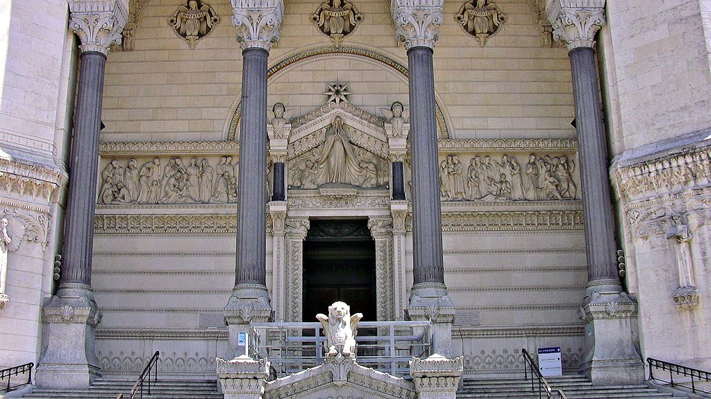 FRANCE -  unterwegs in Lyon,  Basilika Notre Dame de Fourvière, EIngangsportal, 12047/4137