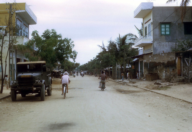 TUY HOA 1970 - Photo by Steve Hutchinson