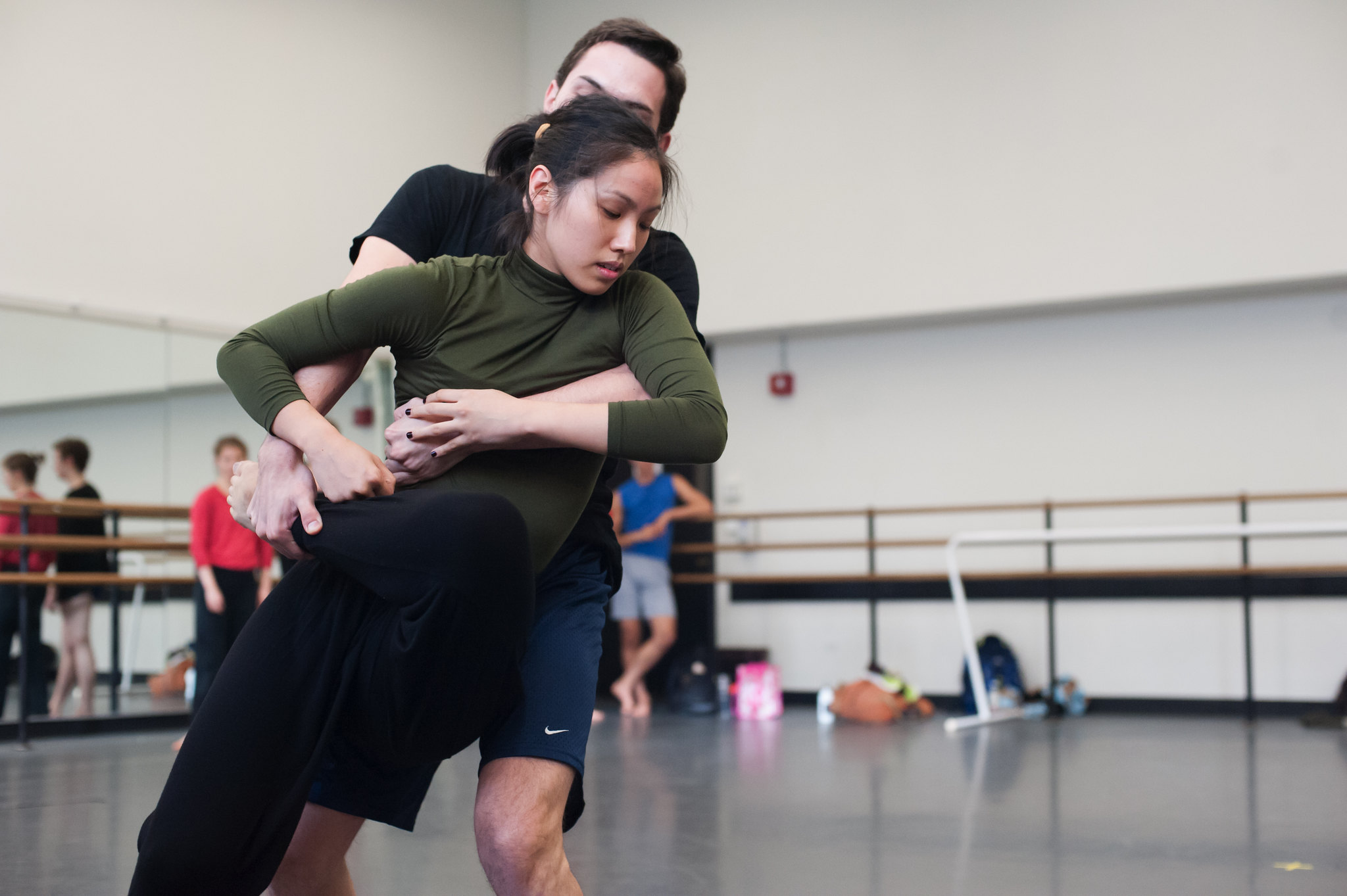 Kate Weare choreography for Juilliard Dance 2014; photo by Keira Heu-Jwyn Chang