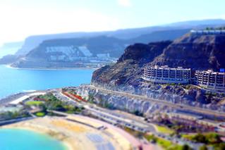 Playa de Amadores 在 Puerto Rico 附近 的形象. sea beach grancanaria puertorico cliffs tiltshift amadores